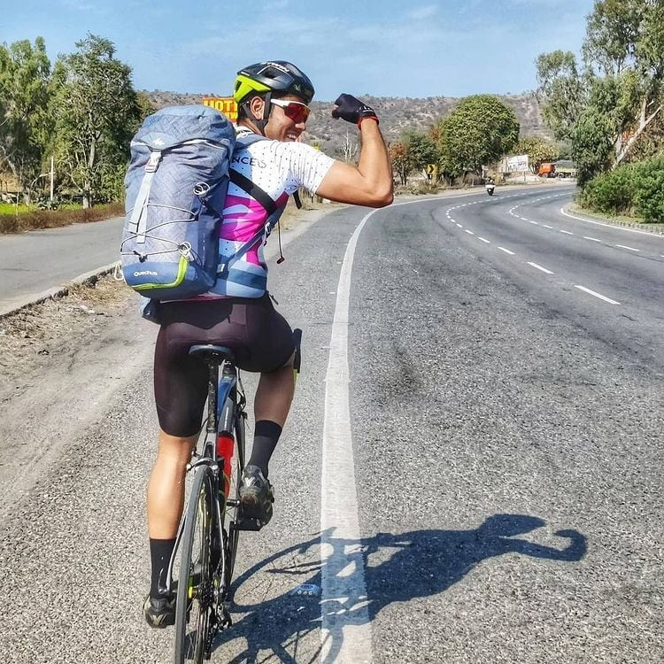Why to wear a cycling jersey ? [5 reasons]