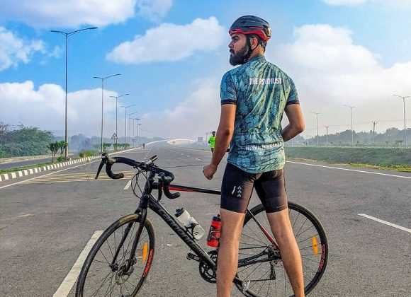 Hyve Cycling Jersey Reviews by Indian Cycling Vloggers